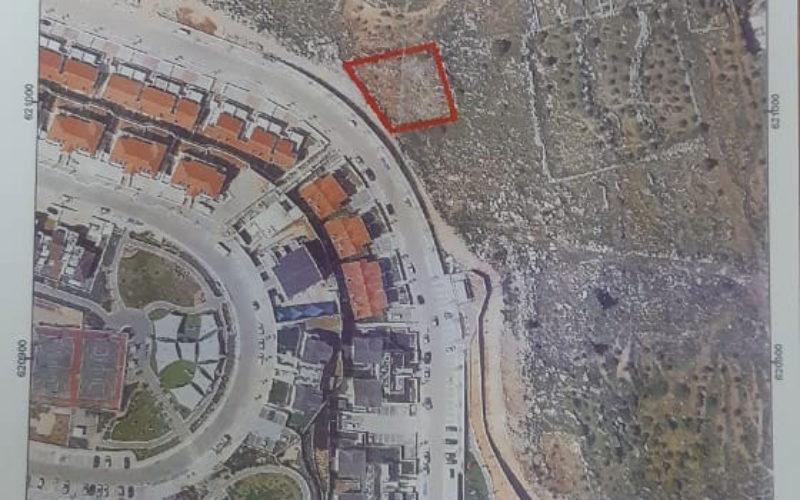 جيش الاحتلال يخطر مواطن بإخلاء أرضه في بلدة الخضر / محافظة بيت لحم