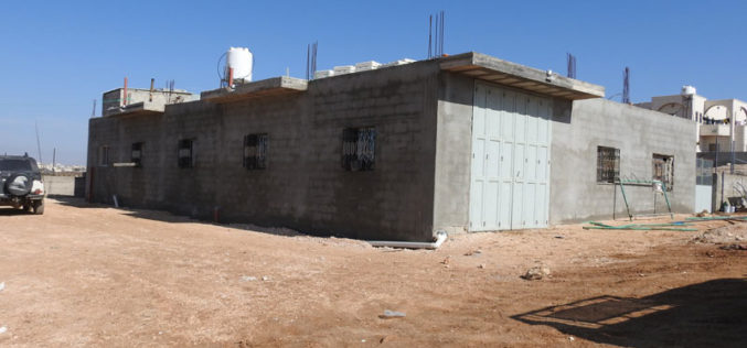 الاحتلال يهدم مساكن ومنشآت زراعية في عدة مناطق ببلدة يطا جنوب الخليل