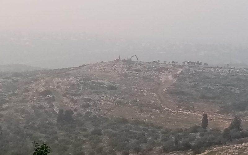 المستعمرون يهدمون غرفة ومعرش زراعي في خلة حسان بمحافظة سلفيت