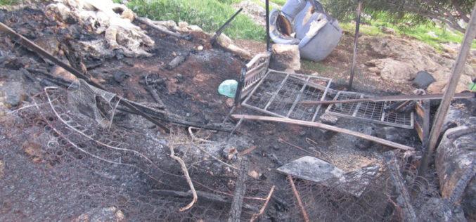 جيش الاحتلال الإسرائيلي يتسبب في إحراق غرفة زراعية في منطقة التياسير / محافظة طوباس