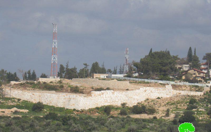 """الاحتلال الاسرائيلي يواصل توسعة مستعمرة """" معاليه شمرون"""" على أراضي بلدة عزون / محافظة قلقيلية"""