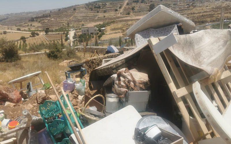 للمرة الثانية: الاحتلال يهدم مسكن عائلة العجلوني في بلدة حلحول شمال الخليل