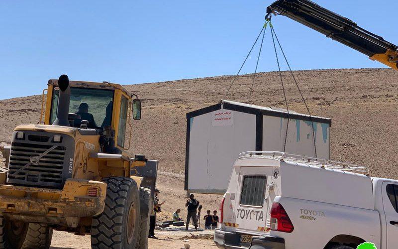 الاحتلال يصادر عيادة صحية من خربة أم قصة شرق يطا بمحافظة الخليل
