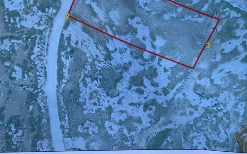 إخطار بإخلاء أراضي في قرية بيرين جنوب محافظة الخليل