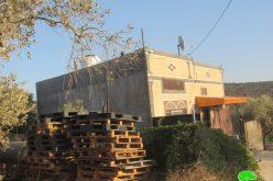 إخطار 10 مساكن بوقف العمل والبناء في قرية حارس / محافظة سلفيت