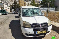 مستعمرون يعتدون على المركبات الفلسطينية في حارة جابر / محافظة الخليل