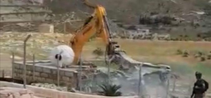 الاحتلال يهدم منزلاً لعائلة جعابيص في مدينة بيت ساحور بمحافظة بيت لحم
